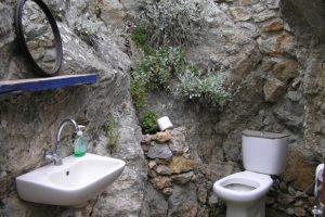Do Toilets Spin Backwards in Australia?