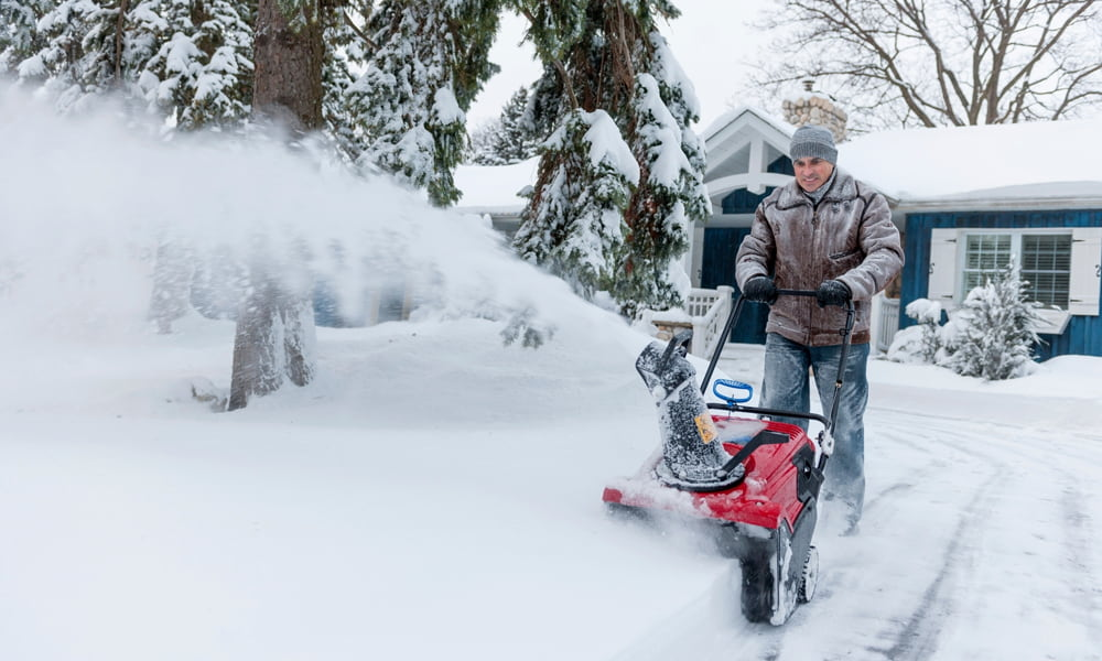 How to Choose the Best Snow Blower for the Elderly