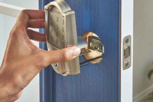 Installing Smart lock on door