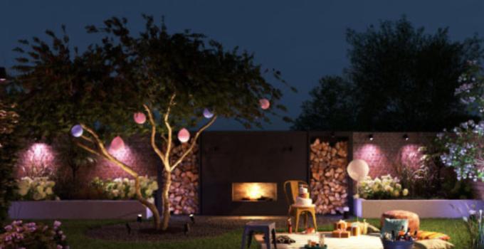 Photo of backyard with smart bulbs