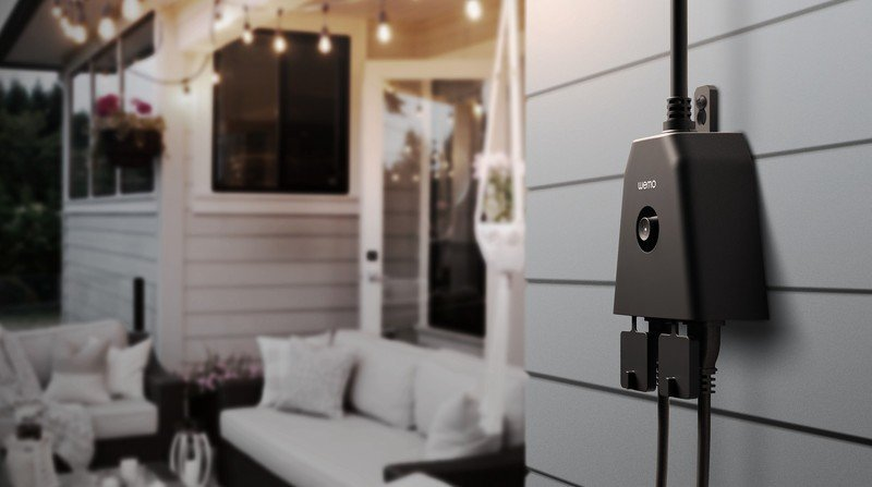 Photo of smart plug in outside