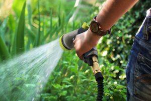 How to Repair an Expandable Garden Hose