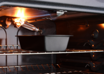 Why does my gas oven turn on and off?