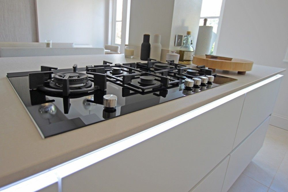 Photo of Gas stove in Which brand is the best Elica or Prestige?